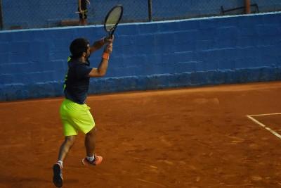 Jugador 3 equipo Nacualinos - Liga por equipos de tenis de Málaga1